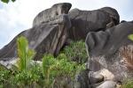 granitowe skały, z których zbudowanych jest większość wysp na Seszelach
