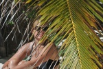 portret przy palmie
